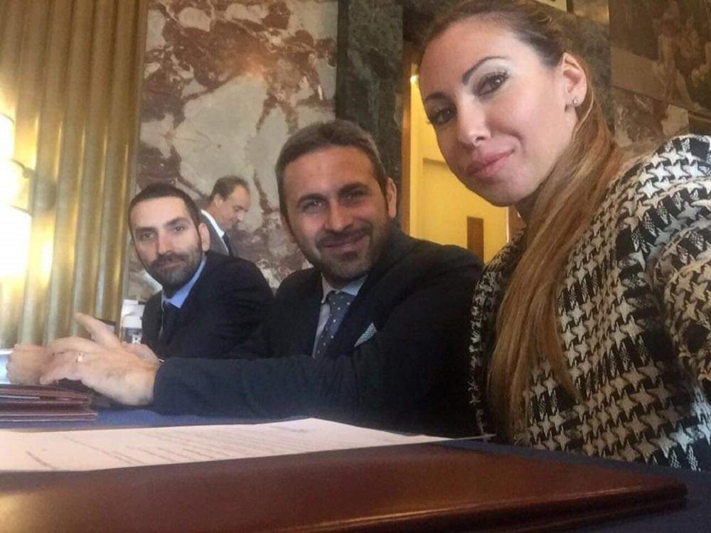 Maggioranza in crisi a Salerno, Psi contro l\'aumento di ...