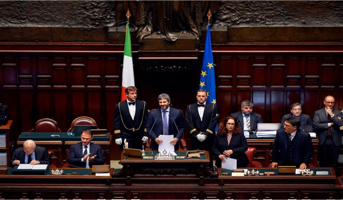 Crisi di governo fico resto presidente della camera for Presidente camera dei deputati attuale