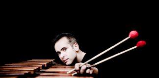 Il percussionista Simone Rubino (foto Marco Borggreve)